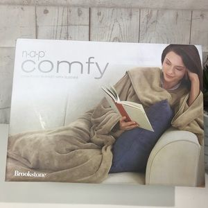 Brookstone Nap Comfy Blanket with Sleeves camel